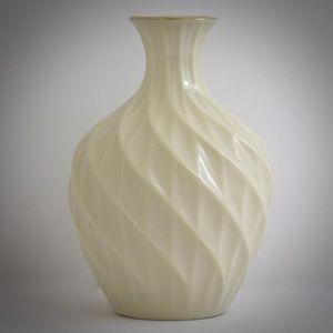 Lenox Ivory Swirl Vase Richmond Collection Bud 24K